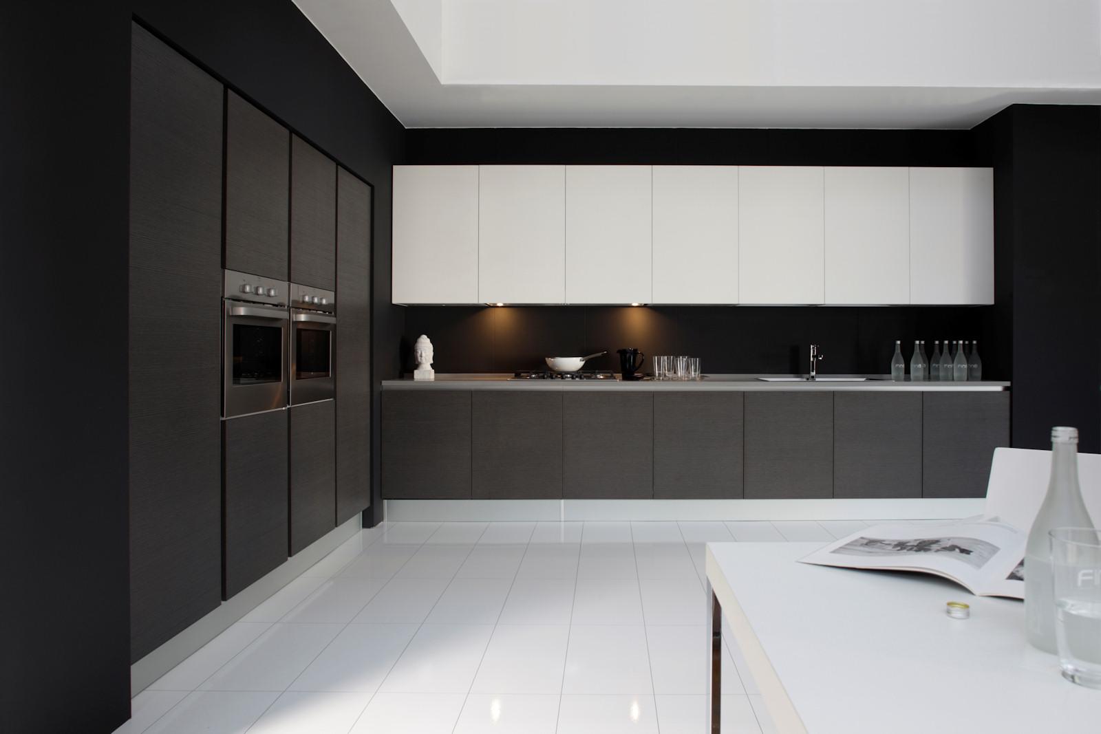 Cucina moderna rovere moro arredamenti e mobili su misura for Moro arredamenti
